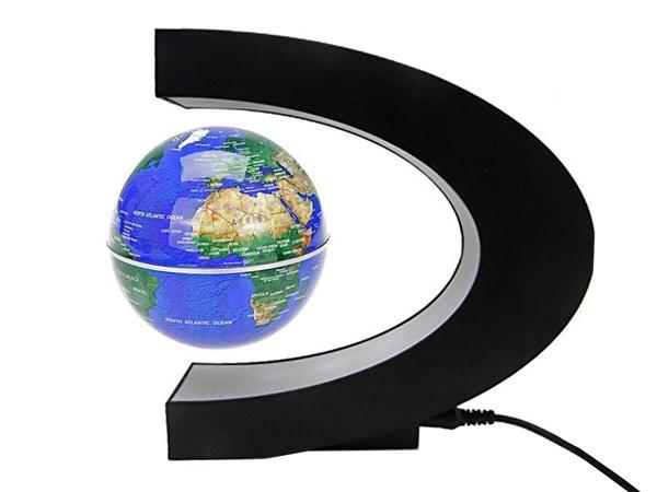 کره زمین معلق